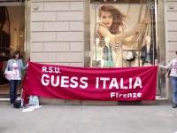 Guess, in Italia il Denim Day. Dipendenti tutti a Firenze