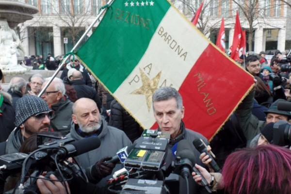 PRESIDIO ANTIFASCISTA IN PIAZZA FONTANA (MILANO, 14 GENNAIO 2017)