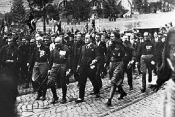 In marcia verso l'abisso fascista