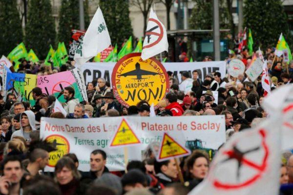 Una vittoria della lotta di classe in Francia