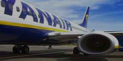 La lotta paga: Ryanair, firmato il contratto degli assistenti di volo