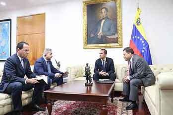 Cancelliere venezuelano presenta a Colombia prove dell'attentato contro Maduro