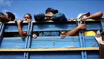 Cancelleria messicana aspetta decisione delle autorità migratorie rispetto le carovane di honduregni