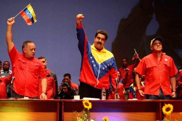 Nicolas Maduro scrive al popolo statunitense: «I nostri popoli vogliono la pace, i politici di Washington la guerra»