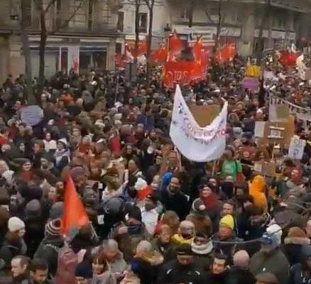 La Francia si ferma contro la riforma delle pensioni