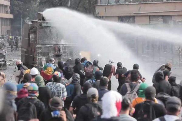 Compie 3 mesi la ribellione dei cileni contro il liberismo conservatore di Piñera
