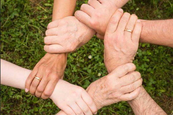 La solidarietà e la cooperazione sono le armi più potenti a disposizione dell'umanità