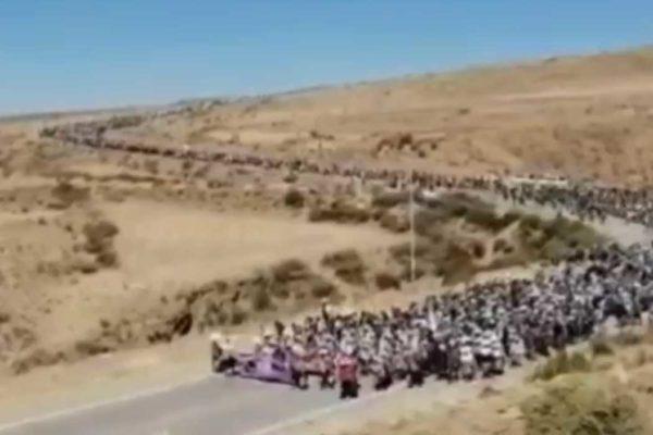 Bolivia. Il popolo si organizza e in alcuni casi si arma contro i golpisti