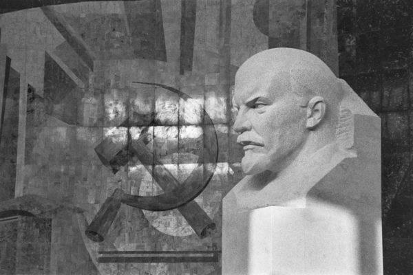 Per i reazionari de il Fatto Quotidiano gli anticomunisti de il manifesto come la Rossanda, si utilizzano anche da morti