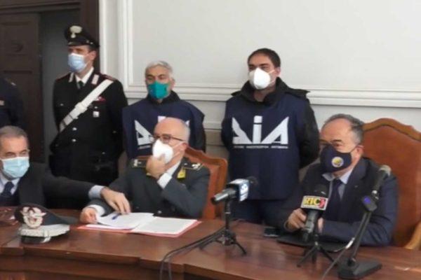 Gratteri: '''Ndrangheta e massoneria deviata controllano interi settori della sanità calabrese''