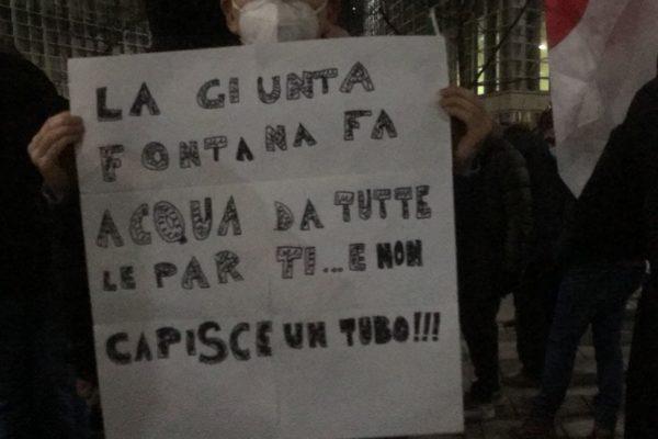 """Caso Lombardia, """"Ora basta"""": oggi la manifestazione di protesta sotto la sede della Regione"""