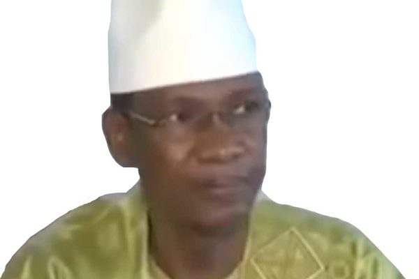 Il Mali accusa la Francia di addestrare i terroristi che dice di combattere